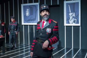 """MÉXICO, D.F., 23DICIEMBRE2014.- Alejandro Bichir dirige y protagoniza la obra """"El Último Preso"""", en la cual también participan Odiseo y Bruno Bichir, y se estrena este 25 de diciembre en el Foro Shakespeare. FOTO: ISAAC ESQUIVEL /CUARTOSCURO.COM"""