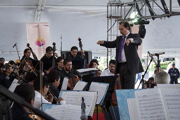 musica_Orquesta_Ti_69pica_