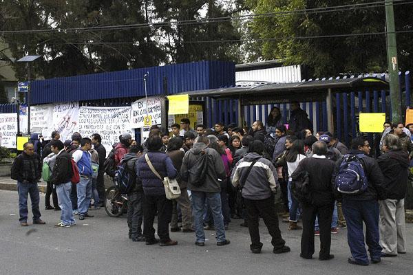 Desalojan UAM Xochimilco por amenaza de bomba... otra vez ...