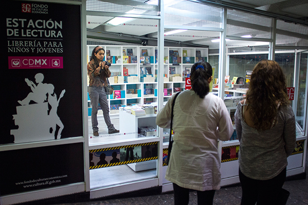 Libreria_Menores_Pasaje_Metro-5