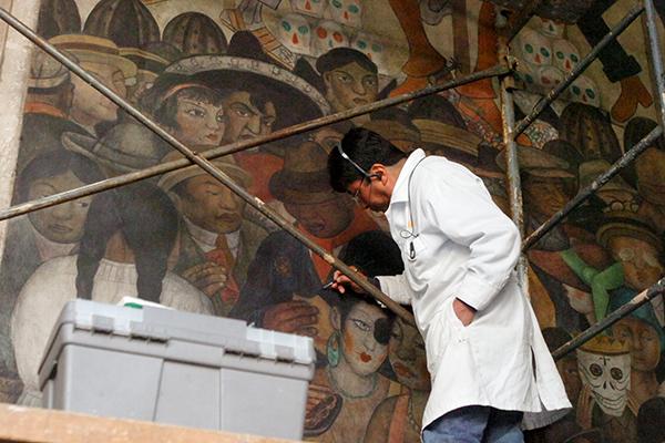 Mural de diego rivera en palacio nacional ser restaurado for El mural de siqueiros pelicula