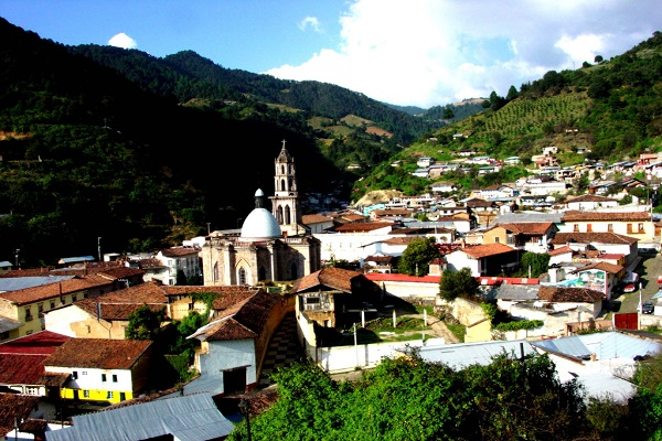 pueblo angangueo