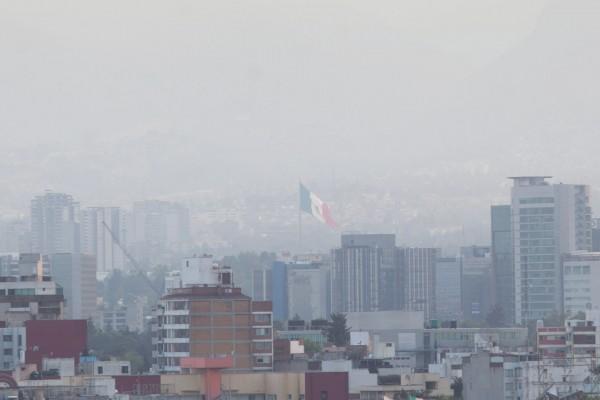 CIUDAD DE MÉXICO, 14MARZO2016.- El Gobierno de la Ciudad de México estableció Contingencia Ambiental Fase I decretada por la Comisión Ambiental de la Megalópolis (CAMe) en la Zona Metropolitana del Valle de México (ZMVM). Se advirtió que las autoridad de la Secretaria del Medio Ambiente estarán al pendiente de las medidas de seguridad. FOTO: JUAN PABLO ZAMORA /CUARTOSCURO.COM