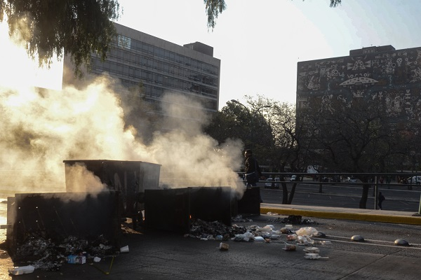 Manifestacio769n_jo769venes_UNAM-5