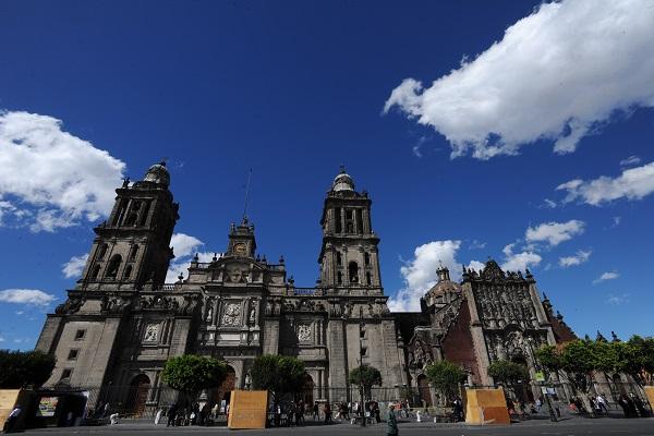 Ciudad_cielo_azul-4