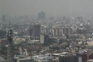 CIUDAD DE MÉXICO, 06MAYO2016.- A pesar de que la contingencia ambiental fue levantada ayer por la Comisión Ambiental de la Megalópolis, la calidad del aire luce precaria desde el Mirador de la Torre Latinoamericana. FOTO: MARÍA JOSÉ MARTÍNEZ /CUARTOSCURO.COM
