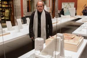CIUDAD DE MÉXICO, 04MARZO2016.- Teodoro González de León, presentó la exposición de maquetas de los proyectos arquitectónicos que ha desarrollado en la ciudad, esto en el marco del Festival Mextrópoli 20016. Con una selección de 55 maquetas, se reúne el trabajo destacado del arquitecto mexicano de renombre internacional. Entre sus proyectos destacan; el Auditorio nacional, el Museo Tamayo, El Museo Universitario de Arte Contemporáneo y el Conjunto Urbano Reforma 222. La muestra se inaugura el próximo 6 de marzo y estará hasta el 3 de julio en el segundo patio del Museo de la Ciudad de México. FOTO: MOISÉS PABLO /CUARTOSCURO.COM