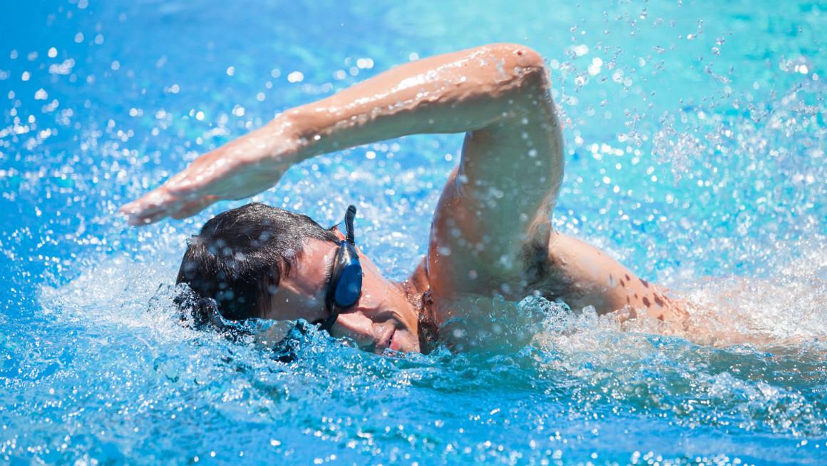 rutina-pesas-natacion