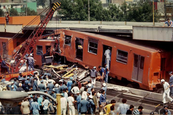choque-metro,-1975,-Enrique-Metinides-