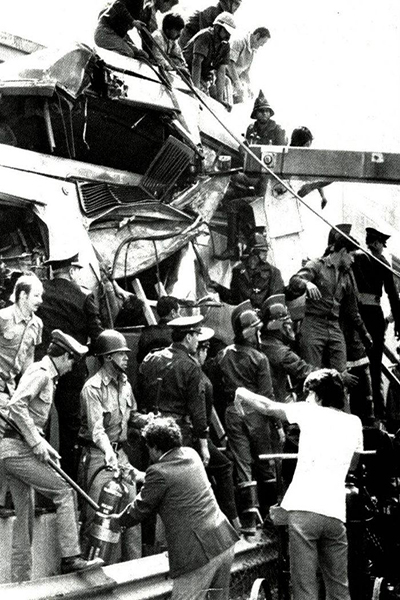 1975-chocan-dos-trenes