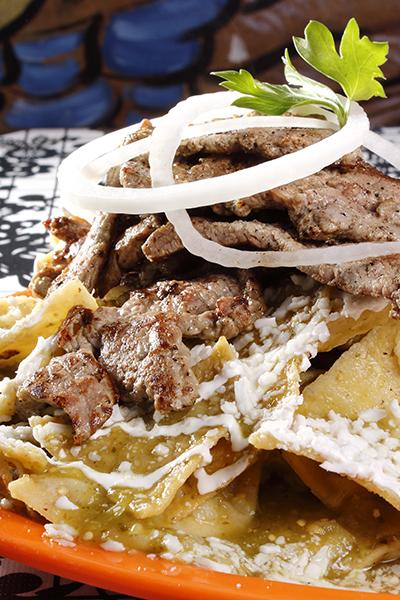 chilaquiles-con-bistec