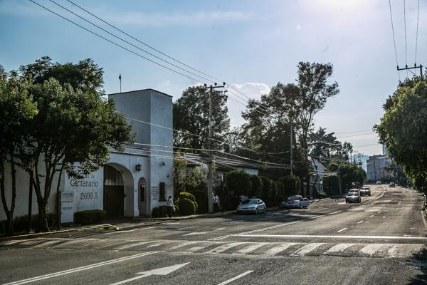Avenida Centenario, en Lomas de Tarango / Foto: Lulú Urdapilleta