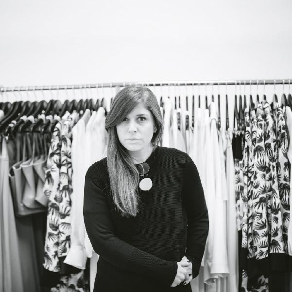 Lorena Saravia en su estudio en la colonia Roma. Ella es una de los representantes de la moda mexicana. Foto, Lulú Urdapilleta.