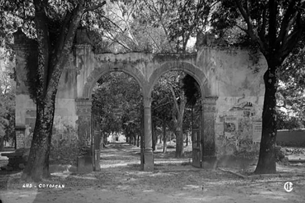 entradas-al-jardin-de-coyoacan