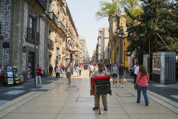 La calle Madero es una de las más transitadas de la CDMX