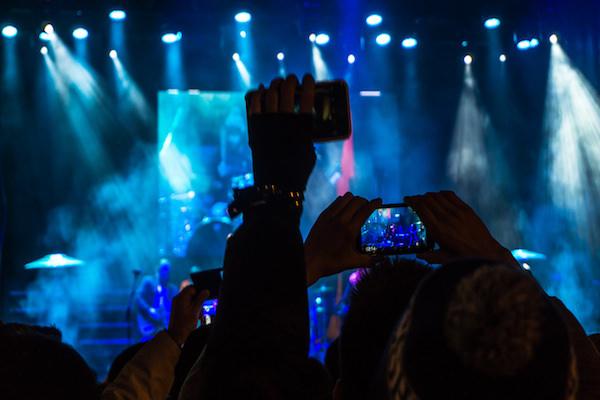 Rulo habla sobre esos molestos espectadores que viven los conciertos a través de una pantalla