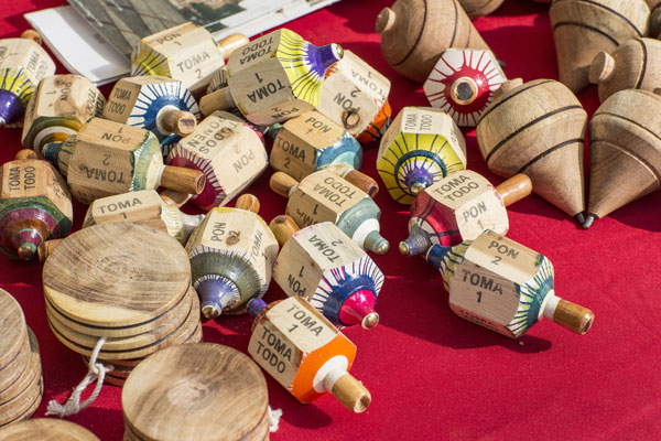 Las artesanías, Arts and Crafts