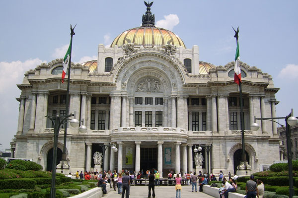 El Palacio de Bellas Artes es un ícono de México