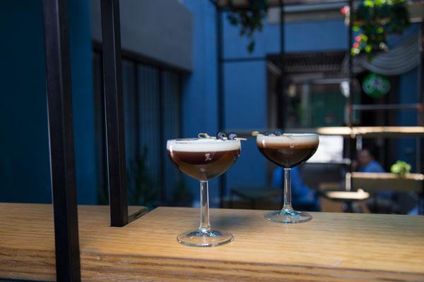 El café Avellaneda tiene dos sucursales: una en Higuera 40 y otra en Malitzin 199