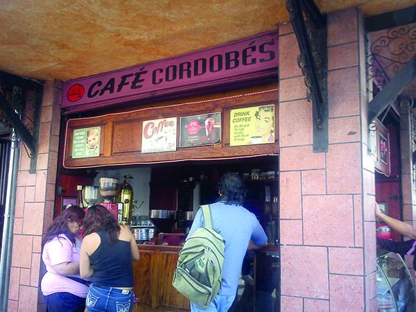 El Café Cordobés, ubicado en el Centro, tiene café de molienda para todos los gustos