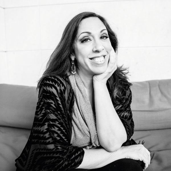Regina Orozco que pasa del cabaret a la ópera en una sola nota