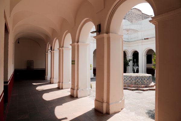El Museo del Carmen es una amplia edificación del siglo XVI