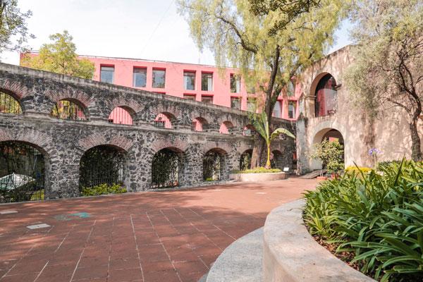 El Museo del Carmen se encuentra en el barrio de San Ángel, al sur de la ciudad