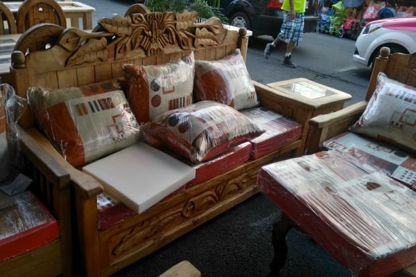 La calle del centro hist rico donde venden muebles for Se vende muebles usados