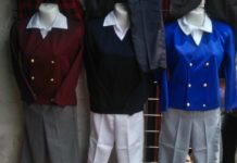 La calle del Centro Histórico donde venden uniformes.